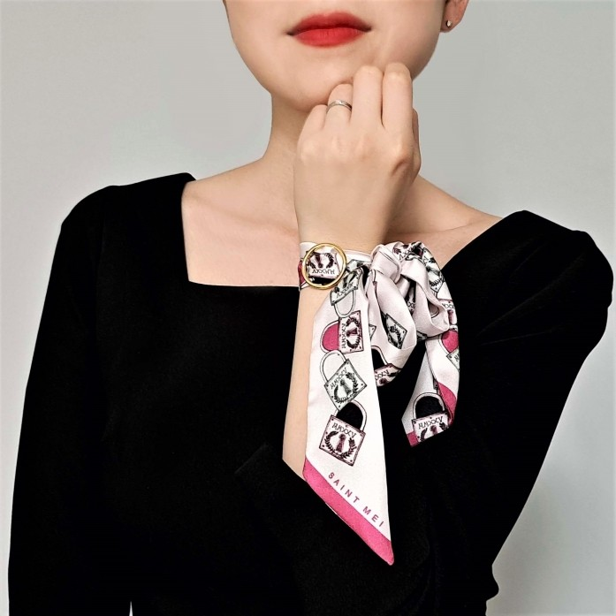 Lucky Lock printed Silk twilly scarf pink