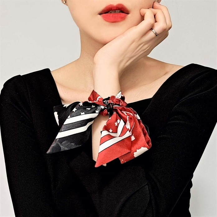Heart Bandana printed Red and Black colored twilly scarf